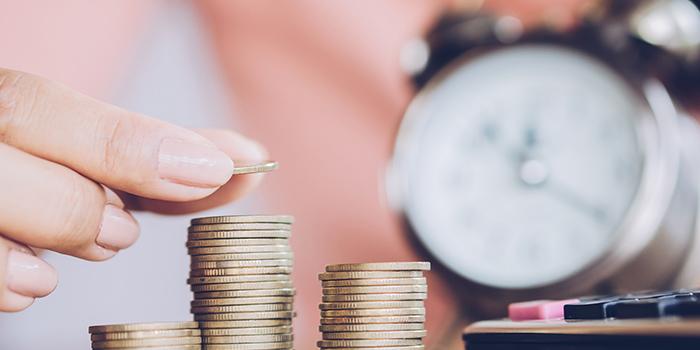 Ahorrar para la jubilación es una manera de salvaguardar tu futuro y poder disfrutar de tu tiempo libre haciendo lo que realmente amas. Sin embargo, hay muchas consideraciones para asegurar un futuro financiero cómodo. Aquí encontrarás algunos consejos sobre cómo ahorrar para la jubilación hoy.
